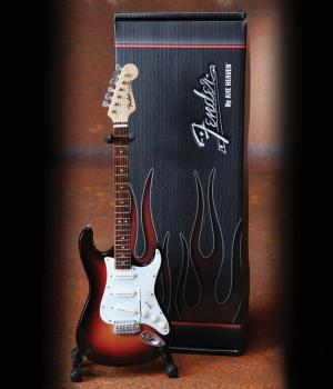 Fender(TM) Stratocaster(TM) - Classic Sunburst Finish: Officially Lice (HL-00124298)
